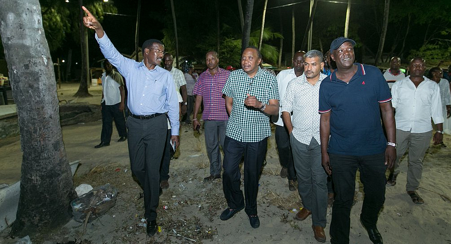 Dr. Chumo takes H.E. Hon Uhuru Muigai Kenyatta on a street lighting inspection tour of Mombasa Old Town on 05-01-16